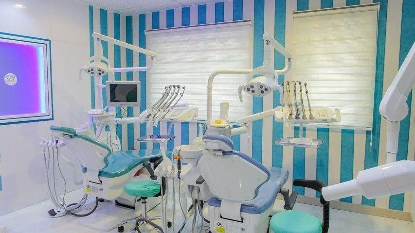 دندانپزشکی خوب تهران پارس دارای چند بخش است؟
